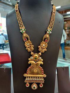 Gold Mangalsutra Designs, Gold Earrings Designs, Gold Jewellery Design, Necklace Designs, Gold Jewelry, Jewelery, Gold Necklace, Long Necklaces, Bhagavad Gita