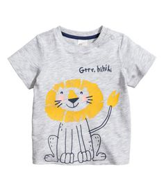 T-shirt in soft, printed slub cotton jersey with press-studs on one shoulder. Baby Boy T Shirt, Baby Shirts, Boys T Shirts, Fashion Kids, Baby Boy Outfits, Kids Outfits, Kids Prints, Kids Wear, Printed Shirts
