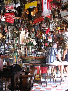 Charlie's Bar, Main Street, San Nicholas, Aruba - What a COOL place to visit! Aruba Restaurants, Cool Places To Visit, Places To Go, Aruba Honeymoon, April Vacation, Visit Aruba, Maine, Oranjestad, Family Destinations