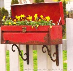 flower box from a rusty tool box and metal shelf brackets. Too cute & I have lots of old tool boxes. Funky Junk Interiors, Outdoor Projects, Garden Projects, Outdoor Decor, Outdoor Living, Metal Projects, Old Tool Boxes, Metal Tool Box, Old Tools