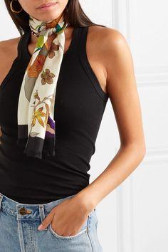 Foulard noué autour du coup femme en serge de soie imprimée Soie Imprimée,  Femme Style d9c1e743102