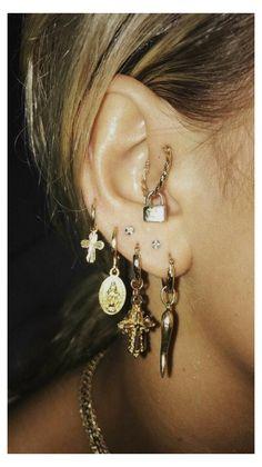 Ear Jewelry, Cute Jewelry, Jewelry Accessories, Women Jewelry, Jewelry Ideas, Jewlery, Fashion Jewelry, Gold Jewelry, Dainty Jewelry