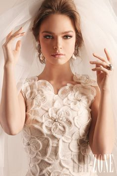Rami Kadi - Mariage - Collection 2012 - http://www.flip-zone.com/fashion/bridal/couture/rami-kadi-2775