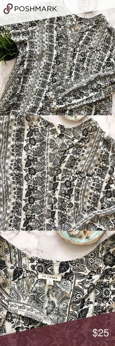 Boho Printed Hi-Lo Swing Tunic EUC no flaws gorgeous cream & black bohemian patterned hi-lo swing tunic. Long sleeves w/ buttons at the sleeves, buttons half way down the front, one chest pocket w/button. Lightweight, comfortable & flowy material - oversized fit. Size Small, would work for a medium as well. Brand is en créme from Nordstrom. Please ask any questions before purchasing. I am happy to provide measurements/photos upon request! 😊  ❣️Open to Offers ❣️No Trades ❣️Smoke Free Home…