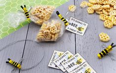 Bee Snack Clips Projects For Kids, Crafts For Kids, Craft Projects, Button Tree Canvas, Bee Wings, Easy Thanksgiving Crafts, Large Mason Jars, Honey Packaging, Diy Crafts For Home Decor