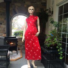 Jahrgang rot und Silber ärmellosen Cheongsam Silk von ShopOlga