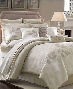 I love this bedding set
