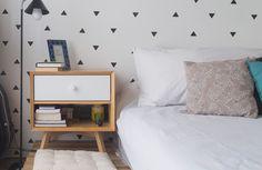 Sem preguiça ou medo de errar, a ilustradora Kalina Juzwiak e o designer de serviços Marcos Korody arregaçaram as mangas e criaram muitos dos móveis e objetos que hoje decoram seu apartamento. Adeptos da reciclagem de materiais, eles imprimiram um visual handmade ao espaço com ares de loft. As […]
