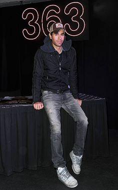 Enrique Iglesias - Album Signing