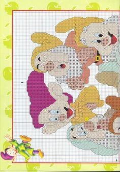 "#4 Snow White And The Seven Dwarfs - Published in ""Disney punto de cruz - Book  No.1"""