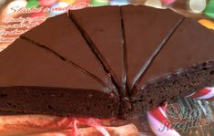 Jablečný dort na způsob luxusního Sacher dortu | NejRecept.cz Brownie Cupcakes, Cordon Bleu, Sweet And Salty, Sweet Recipes, Sweet Tooth, Cheesecake, Deserts, Food And Drink, Cooking Recipes