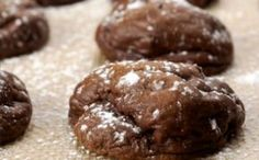 Chocolate and coffee are a perfect pair in these Chocolate Espresso Cookies. - Bake or Break Cookie Desserts, Chocolate Desserts, Just Desserts, Chocolate Chip Cookies, Cookie Recipes, Cookie Ideas, Chocolate Delight, Chocolate Espresso, Espresso Cookies Recipe