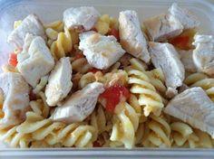 Ensalada de pasta con pechuga de pollo