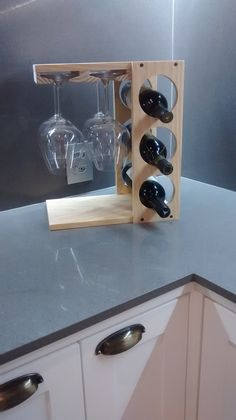 Woodworking Projects Rustic Wine Racks Best Picture For DIY Wine Rack videos For Your Taste You are looking for something, and it is going to tell you exactly what you are looking for, and you didn't Unique Wine Racks, Rustic Wine Racks, Small Wine Racks, Wine Rack Inspiration, Bar Deco, Wood Pallet Wine Rack, Wine Rack Design, Small Wood Projects, Wine Bottle Holders