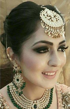 Stunning Wedding Dresses Stylish and Eye-Catching look 2017 Indian Wedding Jewelry, Indian Jewelry, Bridal Jewelry, Pakistani Bridal, Indian Bridal, Bridal Lehenga, Wedding Looks, Wedding Wear, Wedding Bride
