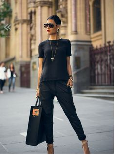 All Black Street Chic Style ~ I want this outfit. Mode Outfits, Fall Outfits, Casual Outfits, Fashion Outfits, Womens Fashion, Fashion Trends, Woman Outfits, Casual Attire, Fashion 2015