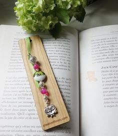 Very nice bookmarks with an owl, handmade in Quebec, wood with pink agate Length 5 in. Metallica, Drop Earrings, Etsy, Jewelry, Wood Projects, I Want You, Gifts, Unique Jewelry, Jewlery
