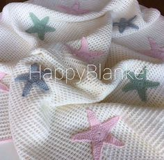 Baby Knitting Patterns, Crochet Gloves, Knitted Baby Blankets, Baby Design, Baby Birthday, Crochet Designs, Crochet Crafts, Baby Dress, Crochet Baby
