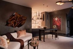 The inaugural Kips Bay Decorator Show House Dallas is now open through October 25 in the historic Woodland Estates neighborhood of Old Preston Hollow, where 27 top interior designers and architects collaborated to reimagine every inch of a grand manor's interiors and exteriors. #home #interiordesign #interiors #decor #architecture #homeinspo #showcase #homedecor #elledecor Living Room Paint, Living Room Colors, Home Living Room, Kitchen Living, Simple Living Room, Small Living Rooms, Top Interior Designers, Home Interior Design, Interior Plants