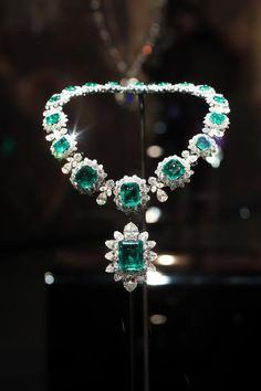 125 Years of Italian Magnificence-Elizabeth Taylor Collection  #Bvlgari #Jewellry