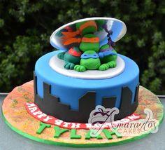 Torta delle Tartarughe Ninja con decorazioni in pasta di zucchero n. 86