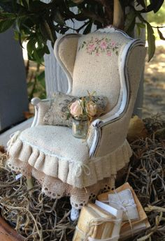 Shabby Chair by Maritza Miniatures for the Good Sam Showcase of Miniature's show - Just beautiful