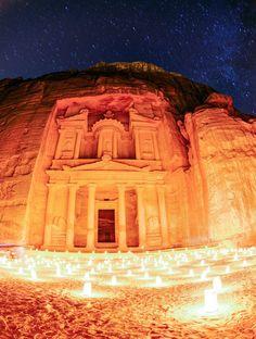 Asia Travel, Travel Info, Travel Advice, Travel Ideas, Travel Guide, Big Water Bottles, Amazing Destinations, Travel Destinations, Jordan Country