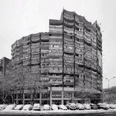 Housing building, (Blocul Rotund) Lujerului square, Militari neighborhood, Bucharest, Romania, built in the late 1970's. © BACU #socialistmodernism