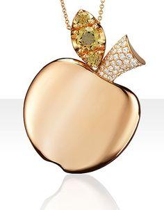 Collier « Tentation » en or rose, diamants, grenat vert et topaze verte, Pascale Bruni, prix sur demande.>www.pasqualebruni.com