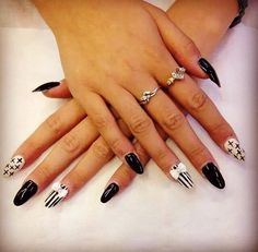 Loving the design!  Nails, Beauty, Design, Beleza, Ongles, Finger Nails, Design Comics, Nail