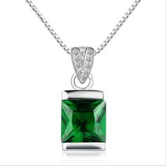 High-end fashion pendant green crystal necklace accessories bridal necklace fashion female stainless steel silver chain jewelry