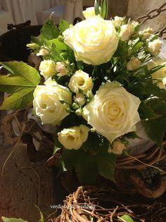 cestino di rose