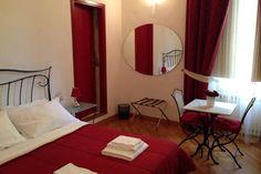 Dai un'occhiata a questo fantastico annuncio su Airbnb: Camera doppia con bagno privato a Firenze