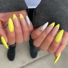 76 Charming Acrylic Nails for Long Nails and Short Nails - The First-Hand Fashion News for Females Long Almond Nails, Summer Nails Almond, Almond Nail Art, Almond Acrylic Nails, Almond Shape Nails, Summer Acrylic Nails, Cute Acrylic Nails, Long Nails, Glitter Nails