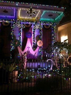 Mardi Gras Decor Could Be An Entrance Idea BIRTHDAY IDEAS