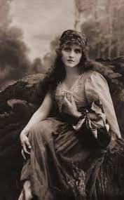 Resultado de imagen de traditional irish gypsy women