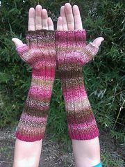 Ravelry: Ribbed Handspun Fingerless Mitts pattern by Christi W