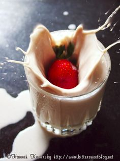 #Strawberry almond-milk recipe unfortunately strawberries, almonds and agave-nectar are all pretty expensive...
