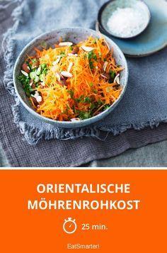 Orientalische Möhrenrohkost mit Mandeln | http://eatsmarter.de/rezepte/orientalische-mohrenrohkost