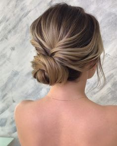 "💄ВИКТОРИЯ СОТНИКОВА💄 on Instagram: ""..express hairstyle video tutorial..💕 .. видеоурок по экспресс прическе..💕 Pleasant viewing!  Напоминаю,что с 27 мая стартует «Базовый курс…"" Hair, Fashion, Moda, Fashion Styles, Fashion Illustrations, Fashion Models"