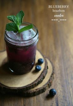 foodie fridays: blueberry bourbon cooler with fresh mint