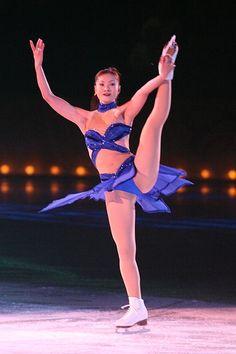 Gymnastics Poses, Artistic Gymnastics, Ice Skating, Figure Skating, Shizuka Arakawa, Female Volleyball Players, Yoga Pants Girls, Beautiful Athletes, Cute Japanese Girl