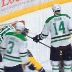 When it becomes an actual cage fight - Tyler Seguin vs Filip Forsberg