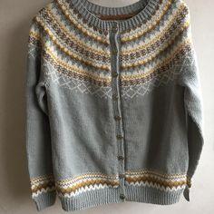 Nok ei Gretekofte ferdig #handarbeid #dustorealpakkasterk #knittinginna #knitting