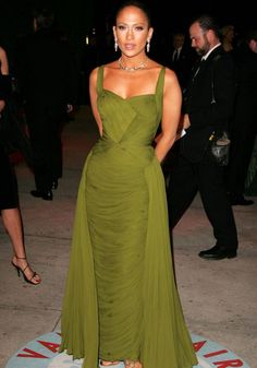 Iconic red carpet gowns Jennifer Lopez Oscars 2006