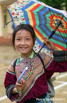 Rainy day - Sapa, Lao Cai, Vietnam.  Photographer Takero Kawabata༺♥༻神*ŦƶȠ*神༺♥༻