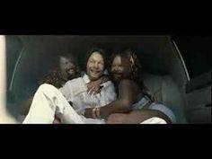 Deze videoclip van Aphex Twin vind ik erg goed. Door iedereen hetzelfde hoofd te geven creëer je een zeer absurd beeld wat verontrustend overkomt. De combinatie van beeld en geluid werkt goed samen.    The work of Chris Cunningham & Richard D. James (Aphex Twin)