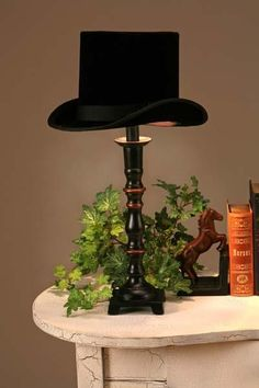 I LOVE this idea for a lampshade! Very chic.