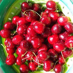 Spring brings sweet cherries from Washington State! #Stemilt growers