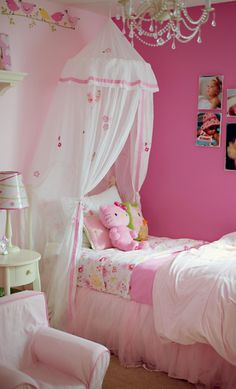 girlie room - so pretty! my girls would love a room like this one day